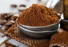 碾碎的咖啡 免版税库存照片