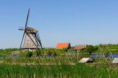 碾碎网络在Kinderdijk-Elshout,荷兰 免版税图库摄影