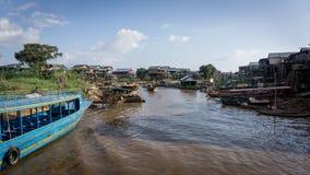 磅士卑Khleang渔夫村庄Tonle Sap湖的,柬埔寨 库存照片