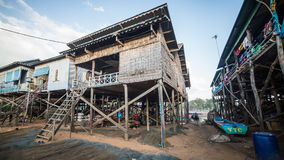 磅士卑Khleang渔夫村庄Tonle Sap湖的,柬埔寨 免版税图库摄影