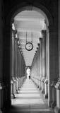 磨房柱廊在卡洛维在黑白变化 库存照片