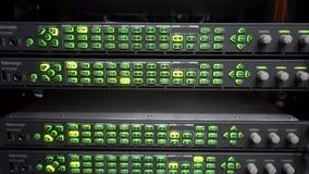 示波器 音频显示器和分析仪大服务器,电信 股票视频