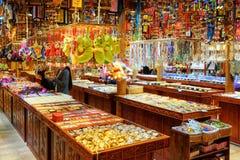 礼品店在丽江中国提供大范围纪念品 免版税库存图片