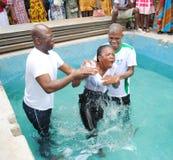 洗礼在教会EVENGELIQUE里 库存图片