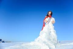 礼服婚姻的白人妇女 免版税库存照片