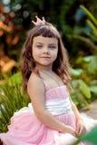 礼服的小女孩 免版税库存图片