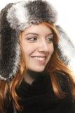 礼服lookin红头发人微笑的冬天妇女年轻&#20 免版税库存图片