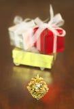 礼物和锥体 库存图片