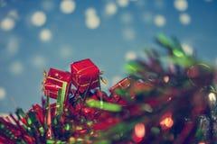 礼物盒圣诞节背景葡萄酒颜色 免版税库存图片