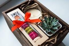 礼物,女性礼物集合 免版税库存照片