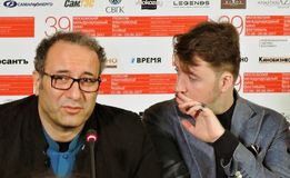 礼萨Mirkarimi和阿尔伯特Serra在莫斯科国际影片竞赛 免版税库存图片