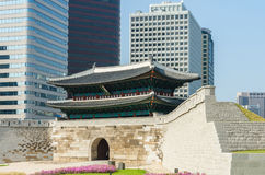 崇礼门门在汉城,韩国 免版税库存照片