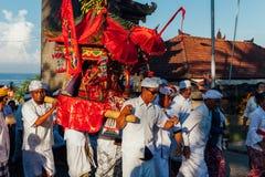 礼仪队伍,巴厘岛,印度尼西亚 免版税库存图片