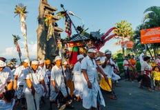 礼仪队伍,巴厘岛,印度尼西亚 免版税图库摄影