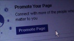 社会媒介宏指令关闭:对Facebook的移动式摄影车'促进页' 股票录像