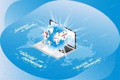 社会网络3D等量概念 与通知象的地球在一台膝上型计算机的在一张数字式世界地图的背景 向量 免版税库存照片