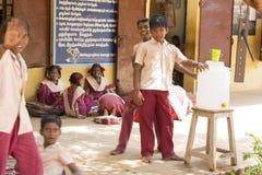 社论新闻纪录片的图象,印地安学校 库存图片