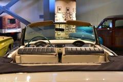 社论:古尔冈,哈里亚纳邦,印度:2016年4月09th日, :发光的比德暴风雨勒芒敞篷车1962模型在博物馆 库存图片