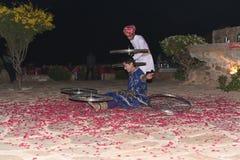 社论:拉贾斯坦,印度:2015年12月19日, :传统拉贾斯坦舞蹈表现 免版税库存照片