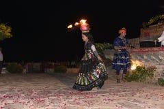 社论:拉贾斯坦,印度:2015年12月19日, :传统拉贾斯坦舞蹈表现 图库摄影