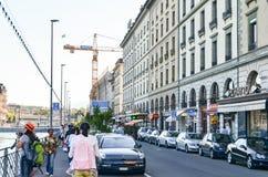 社论:瑞士, 2012年7月14日 公园和outd的游人 免版税库存照片