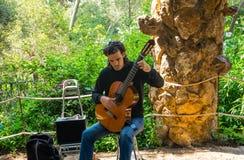 社论 2018年5月 巴塞罗那西班牙 西班牙吉他弹奏者 库存照片