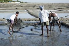 社论说明图象 可怜的工作者人在印度 免版税库存照片