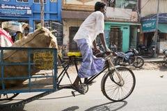 社论说明图象 周期运输在印度 图库摄影