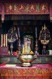 祀奉在汉语妈阁庙里面的细节在澳门瓷 免版税库存照片