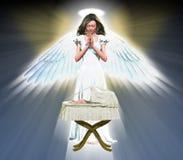 祈祷为婴孩的天使 库存例证