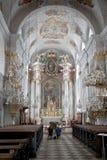 祈祷在克拉根福大教堂里,奥地利 免版税图库摄影