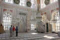 祈祷在清真寺,伊斯坦布尔,土耳其的人 图库摄影