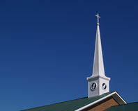 祈祷尖顶的教会现有量 库存图片