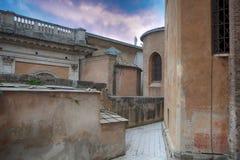 祖国阿尔塔雷della Patria的法坛,叫作国家历史文物对胜者伊曼纽尔II或II Vittoriano在日落 Piaz 图库摄影