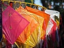 祝愿我在五颜六色的风筝的运气手写 库存图片