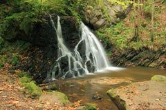 神仙的幽谷rosemarkie苏格兰瀑布 免版税库存图片