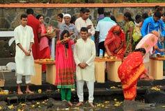 神圣的湖的印地安人民庆祝新年,毛里求斯的 免版税库存照片