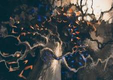 神奇黑暗的老树 图库摄影