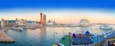 从神户港的全景在微明下 免版税库存图片