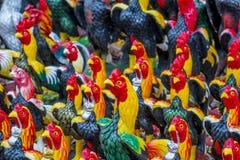 神气活现的红色雄鸡 免版税库存图片