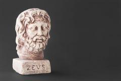 神的宙斯的面孔也叫God的白天天空 免版税库存图片