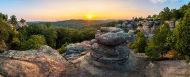 神的庭院,风景日落,肖尼国家森林,伊利诺伊 免版税库存图片