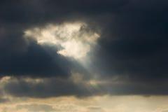 神的轻的天空 免版税库存图片