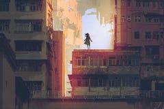 神秘的女孩在一个老大厦的屋顶站立 库存例证