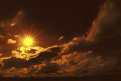 神秘的日落 免版税图库摄影