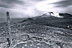 神秘的火山蒸汽在传统日本 免版税库存照片