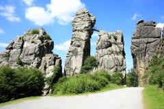 神秘的站点在西华里亚, Externsteine,德国 库存照片