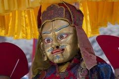 神秘的面具的西藏佛教喇嘛执行一个礼节Tsam舞蹈 Hemis修道院,拉达克,印度 免版税库存照片