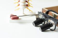 神经外科学的设备的概念在桌上的 免版税库存照片