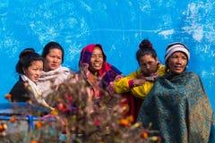 神色尼泊尔妇女 免版税库存图片